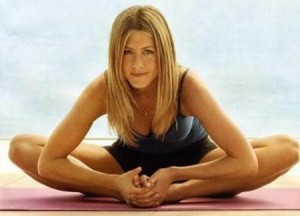 sekret-jennifer-aniston_-yoga