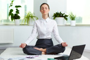 Office-Yoga-5-Office-Friendly-Yoga-tips-with-benefits-explained-_1